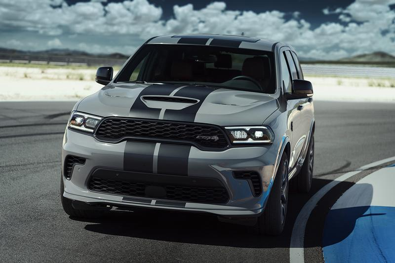 2021 Dodge Durango SRT Hellcat Release Information 710 HP 645 lb-ft Torque SUV Sports Utility Vehicle American Muscle Car 6.2L HEMI V8 Fast Power Performance First Look