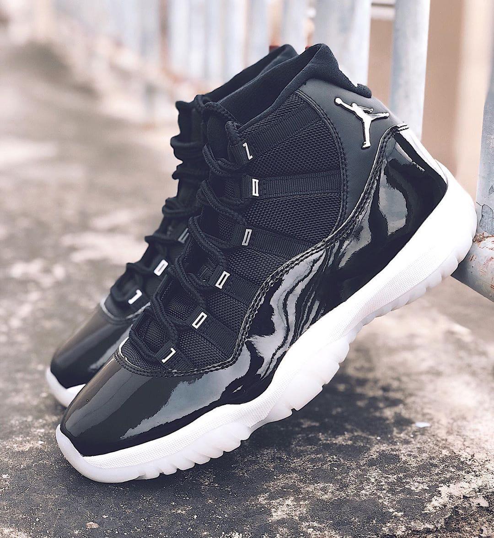 black and white 11s jordans