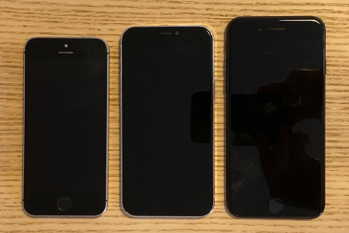 Apple Iphone 12 5 4 Inch Size Comparison Hypebeast