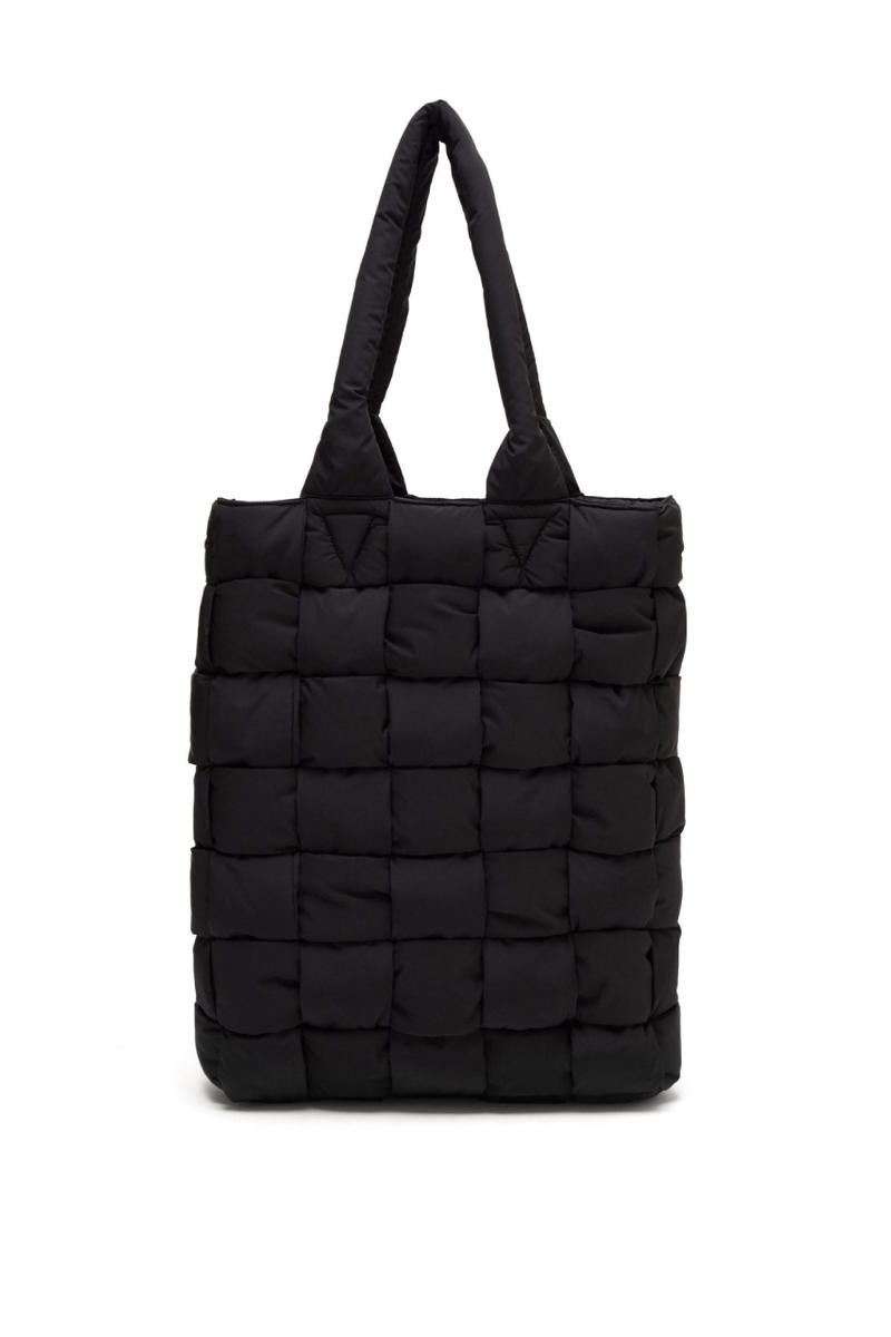 bottega veneta padded tote bag intrecciato technique daniel lee italy mens fashion bags