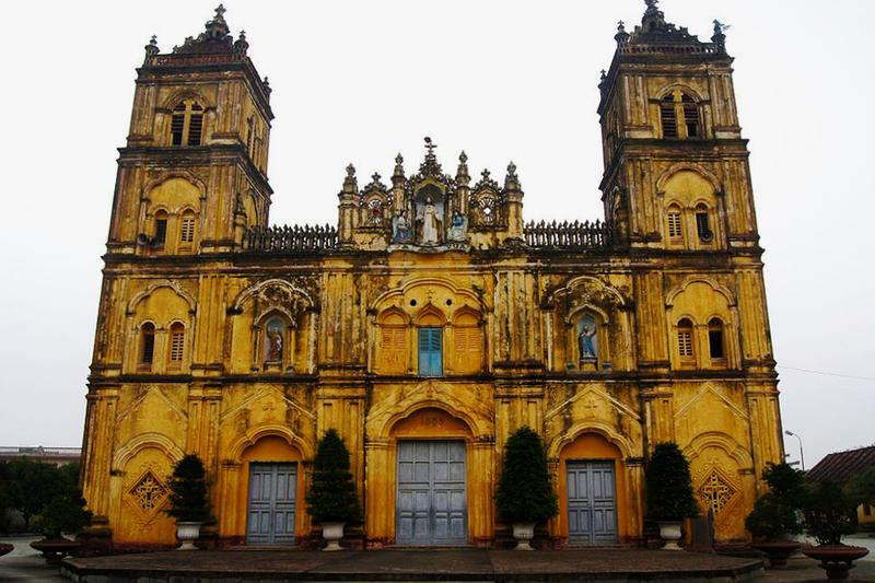 bui chu cathedral demolition northern vietnam architecture heritage sites travel