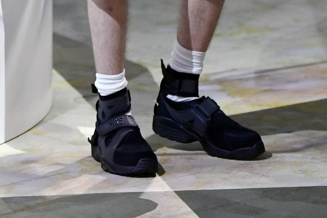 COMME des GARÇONS SS21 Collection, Nike Air Carnivore spring summer 2021 metal outlaw alberto bitar collaboration runway show presentation