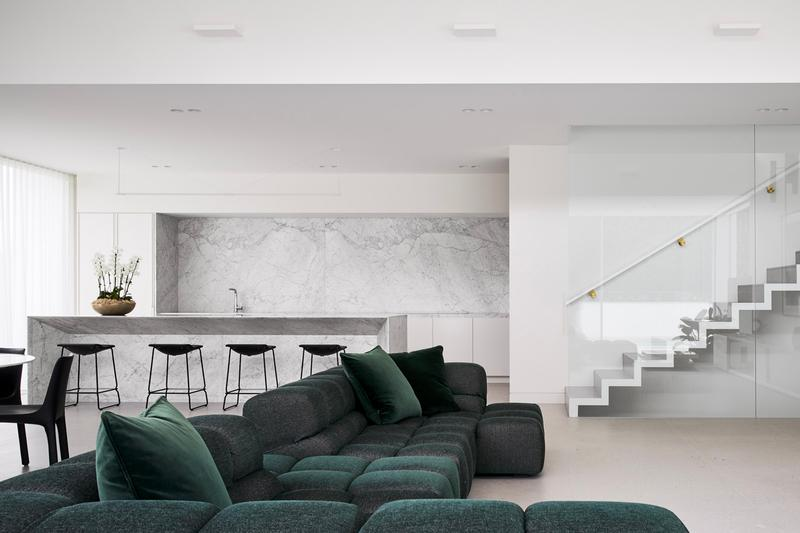 Inarc Architects juxtaposes vintage and modern at three-storey 1870s Victorian house Wyoming house Studley Park Melbourne minimalist interiors restoration