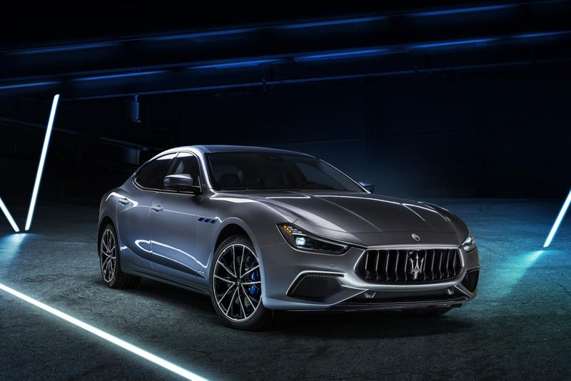 Maserati Ghibli Hybrid Released Closer Look Automotive Italian Family Four Door Car EV Environmentally Friendly 330 HP New Styling Cars