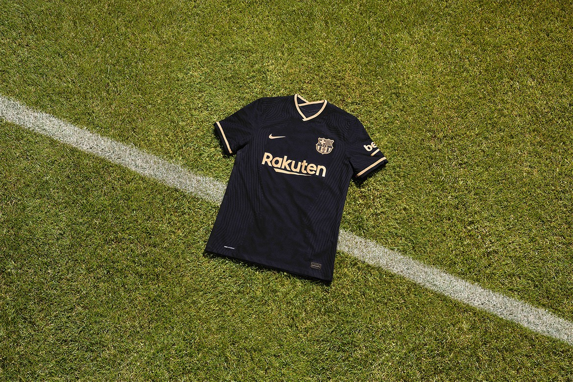 domesticar bruscamente regular  FC Barcelona 2020/21 Away Kit by Nike | HYPEBEAST
