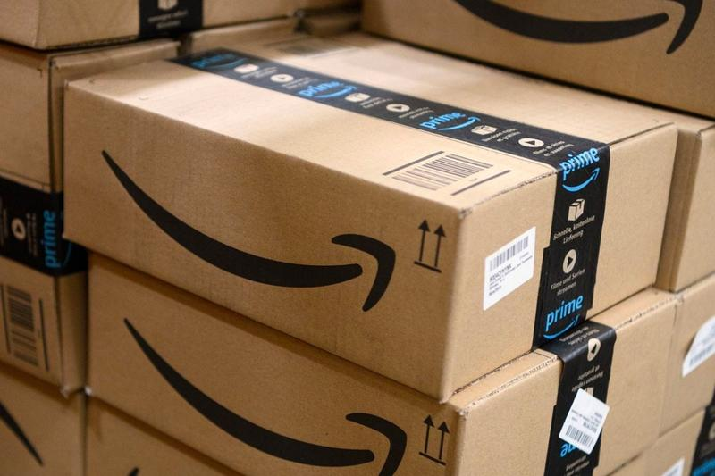 Amazon Turning Closed Malls Into Fulfillment Centers News tech online shopping warehouse Wall Street Journal