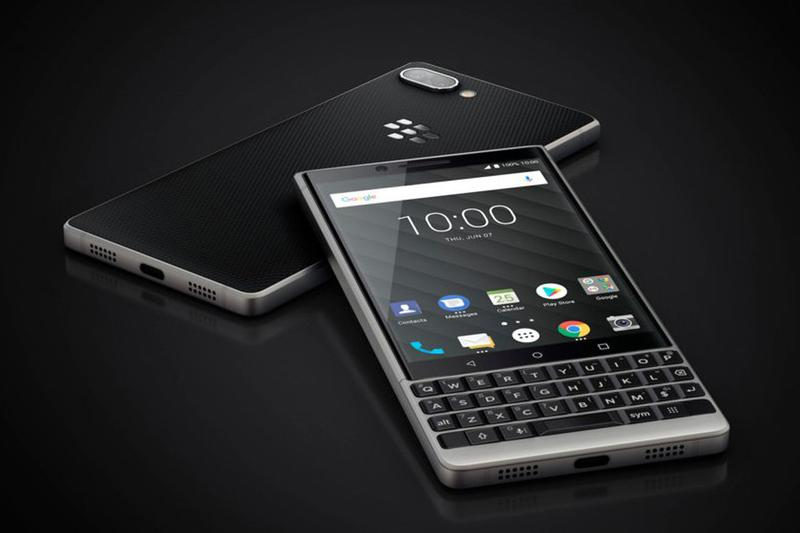 blackberry onwardmobility tactile physical keyboard smartphones mobile 5g industry return comeback