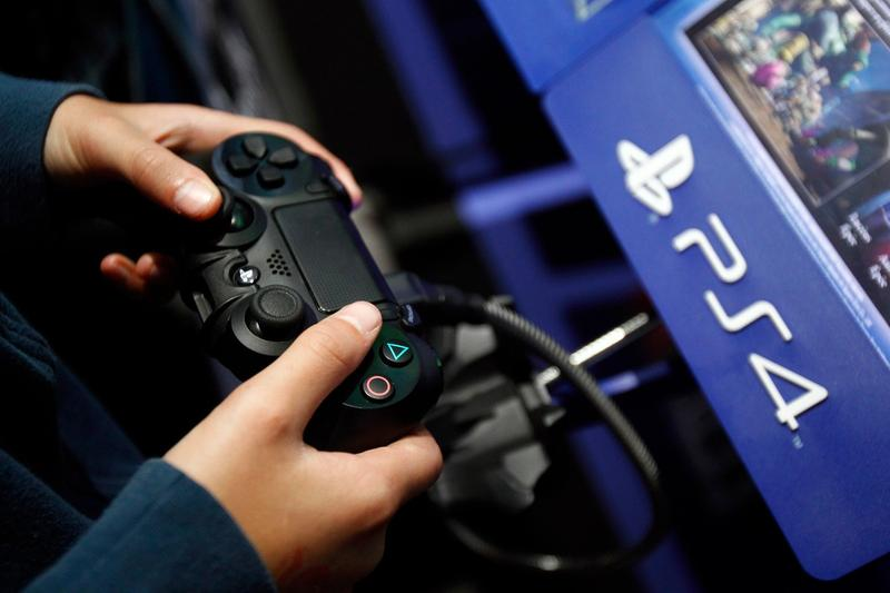 Sony Reveals Ps4 Controller Can T Play Ps5 Games Hypebeast
