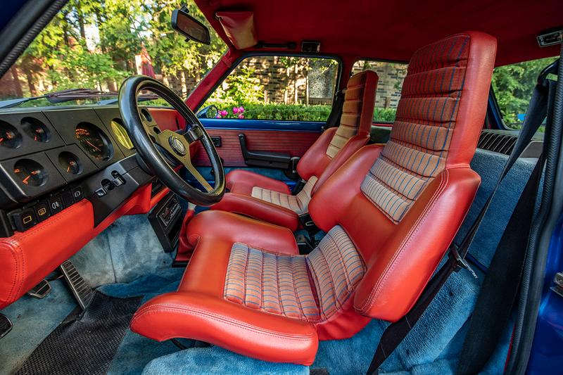 Stratas Auctions Online-Only Car Auction Automotive 1977 Volkswagen Beetle 1963 Ford Thunderbird 1981 Renault R5 Turbo 1993 Jaguar XJ220 1981 Porsche 924 GTR Classic History Icon Cult Tuning Boy Racer Hot Hatch