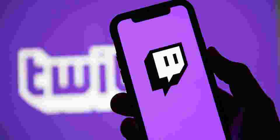 Teenager Spends Almost $20,000 USD in Twitch Donations With Mother's Debit Card - HYPEBEAST