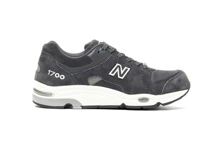 """UNITED ARROWS and New Balance's 1700 Takes On Rich """"Dark Gray"""" Suede"""
