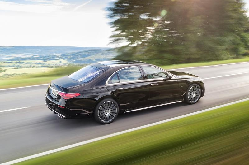 2021 Mercedes-Benz S-Class Revealed Closer Look German Automotive Luxury Saloon Car Power Performance Tech Updates Upgrades Styling S500 S580 $100000 USD 4.0-liter twin-turbo V8