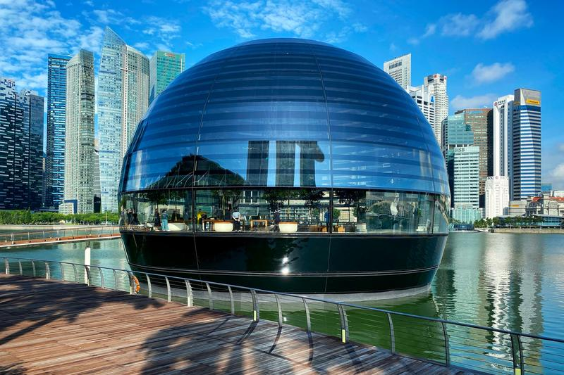 Apple Store Singapore Marina Bay Sands Now Open appointment only 114 glass dome sphere structure retail location facade building architecture
