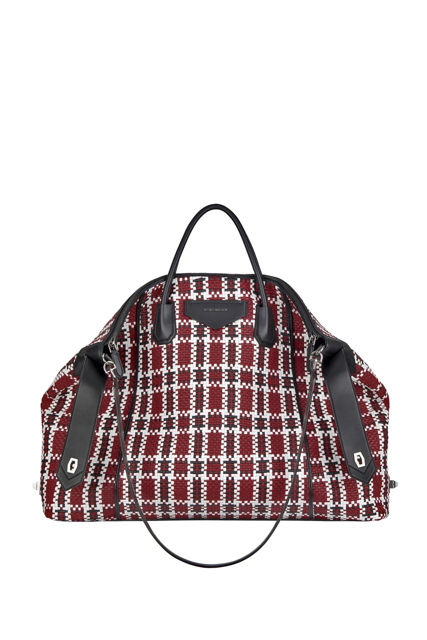 Givenchy Antigona Soft Handbag for Men Fall 2020 colorways release date price lookbook runway claire waight keller matthew m williams fw20 winter genderless