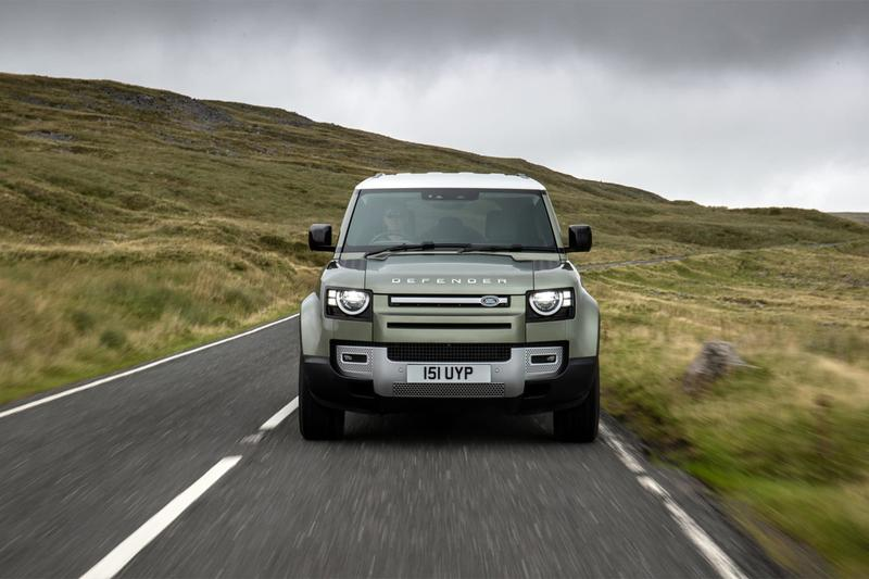 land rover defender p400e plug in hybrid electric car vehicle off road 4v4 four wheel drive