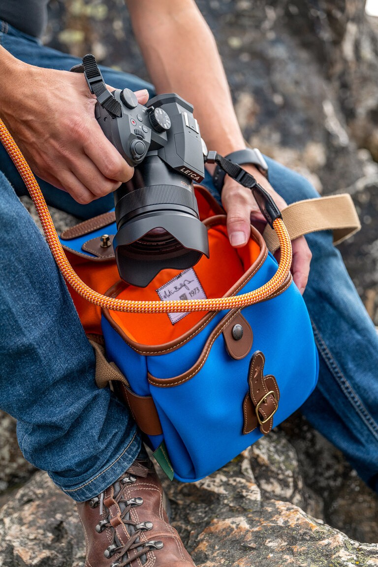 leica camera v lux 5 explorer kit bag strap official release date info photos price store list buying guide