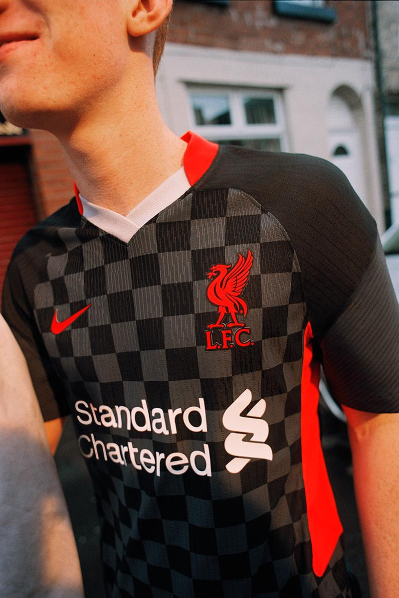 liverpool fc nike football kit 2020 21 premier league champions third kit black anthracite wolf grey air max 95 crimson red release information