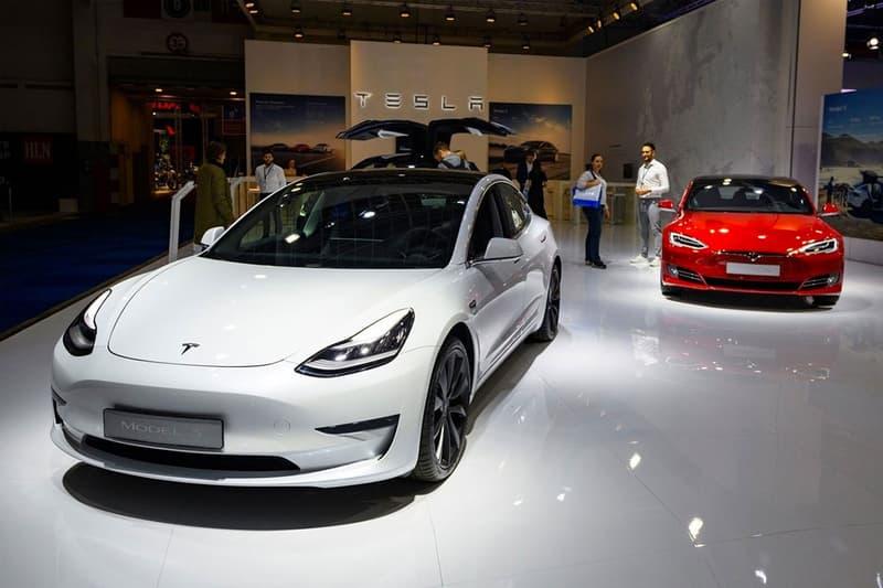 tesla stock price sp 500 index 21 percent drop plummet decline elon musk worst single day record electric cars automaker
