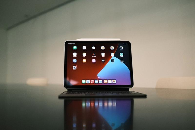 apple ipad air tablet device ipados a14 bionic chip set core features pencil keyboard track pad scribble cpu gpu machine learning accelerators