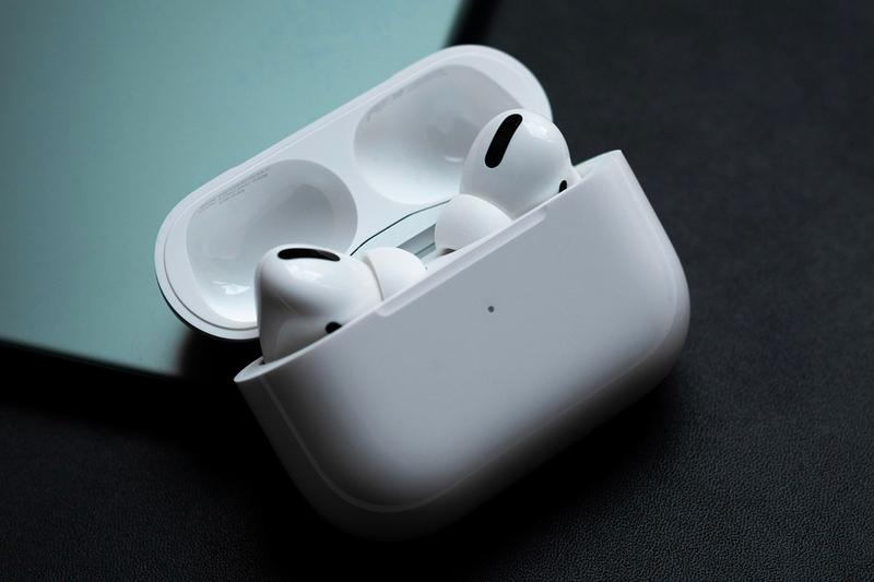 apple wireless earbuds airpods pro entry level second generation in ear noise cancelling wireless chips