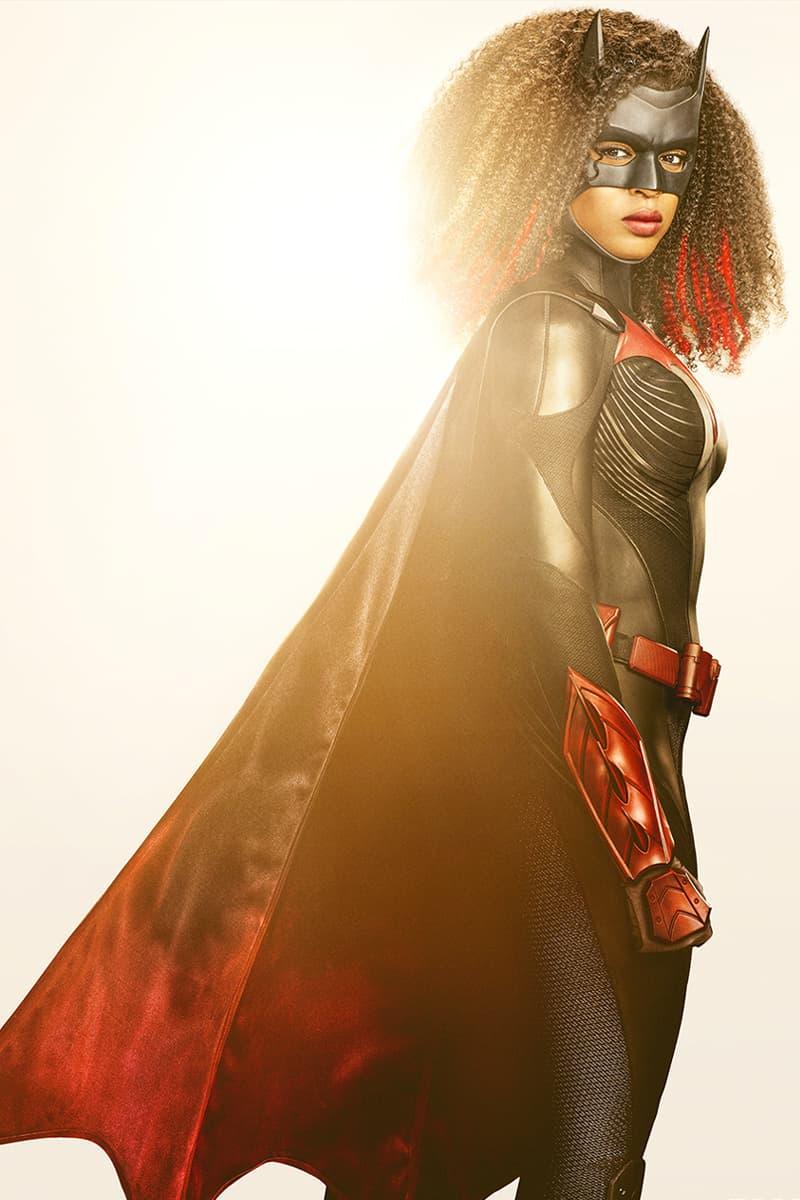 cw warner bros dc comics batwoman javicia leslie suit costume outfit debut unveil