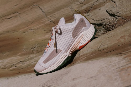 The HYPEBAE x Reebok DMX Thrill Delivers Freedom and Versatility