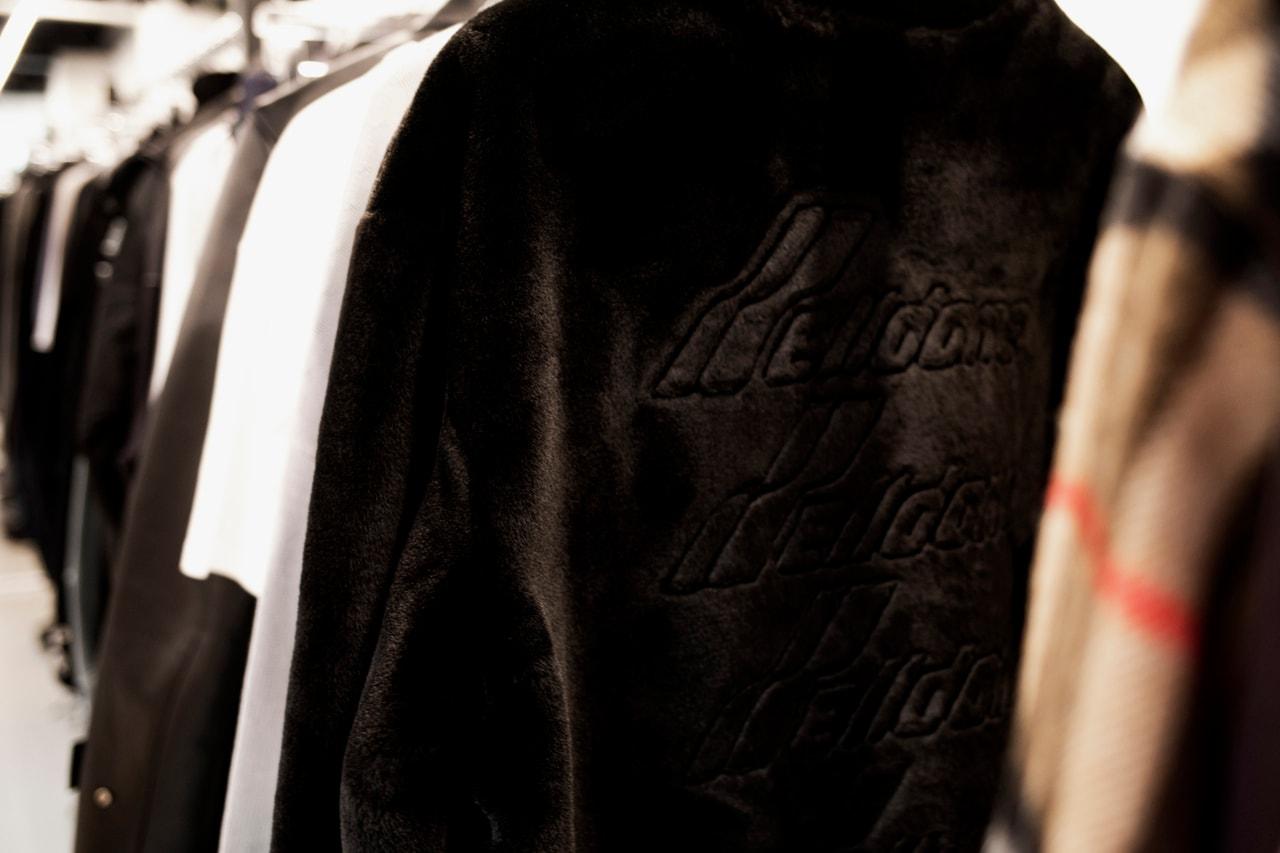 런던이 한국 패션과 사랑에 빠진 이유는?, 런던 패션위크, 준지, 아더에러, 웰던, 앤더슨 벨, 케이팝, 틱톡, UJNG, XU 스토어, 디스이즈네버댓, 뉴발란스, 메종 키츠네, 알파 인더스트리, 서혜인, 우원재, 앤더슨 벨, 이세, 윤지원, 크랭크, 어나더유스, 준지, 아더, 웰던, 틱톡, 아더, 알파 인더스트리, 메종 키츠네, 디스이즈네버댓, 뉴발란스, 서혜인, 우원재, 꼼 데 가르송, 사카이, 요지 야마모토, 1017 알릭스 9SM, MM6 메종 마르지엘라, C2H4, 이세, 지드래곤, 저스틴 비버, 케이팝, 코로나19, 인스타그램, 라프 시몬스, carol christian poell