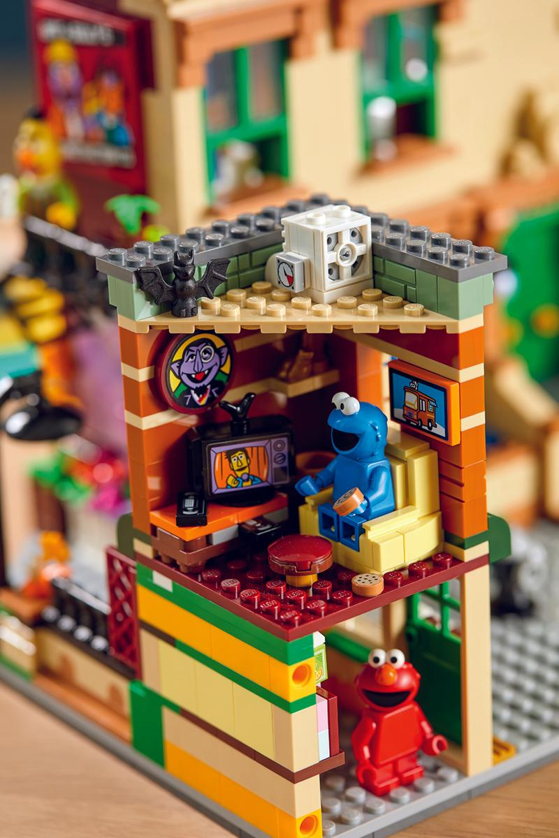LEGO Ideas 123 Sesame Street Build Kit characters minifigures ivan guerrero oscar the grouch bert ernie big bird elmo cookie monster