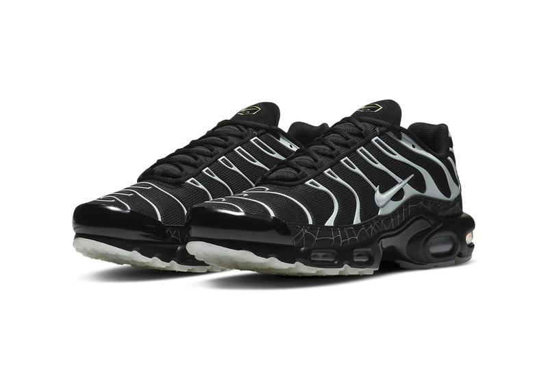 nike sportswear air max plus halloween spiderweb glow in the dark black limelight DD4004 001 official release date info photos price store list buying guide