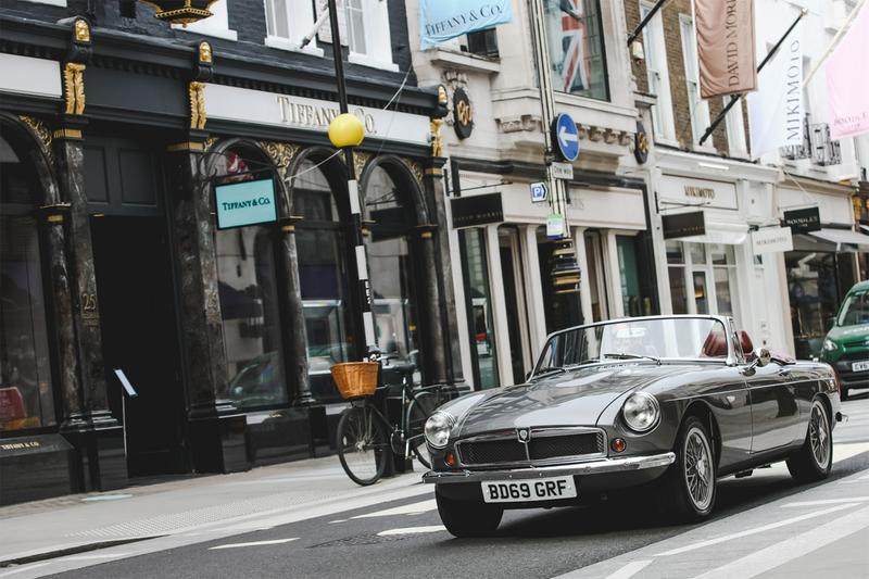rbw ev electric vehicle car mgb british motor company roadster two door powertrain sustainability vintage classic