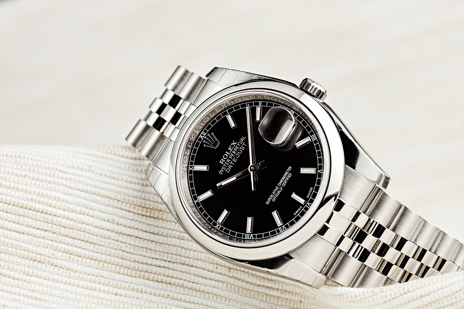 rolex oyster perpetual 124300 round table bobs watches grey and patina producer michael mad paris