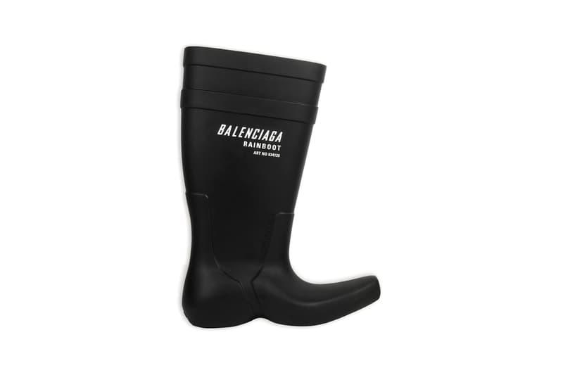 Balenciaga Excavator Boot Black Men Wellington Wellies Water Wading Fall Winter 2020 FW20 Runway Shoes Boots Demna Gvasalia Branding Spanish Luxury Fashion House Rainboot https://www.balenciaga.com/us/seasonal-shoes_cod11929536cg.html#/us/men/boots