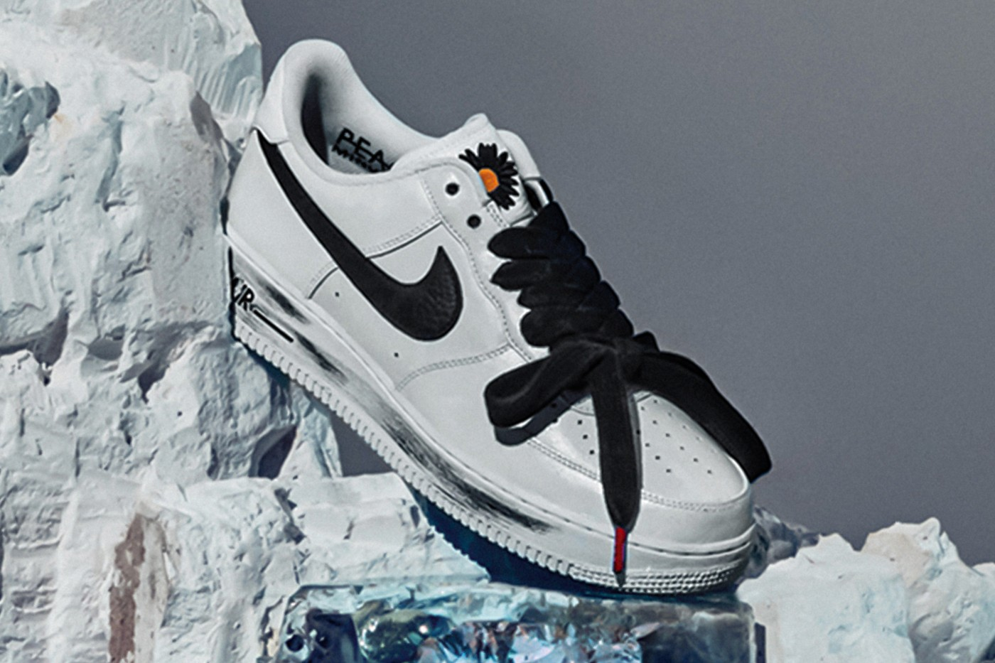 G-Dragon PEACEMINUSONE x Nike AF1 \