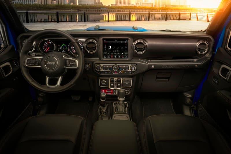 Jeep 2021 Wrangler Rubicon 392 off-roading 4x4 outdoors horsepower trucks suvs cars automotive American blue torque