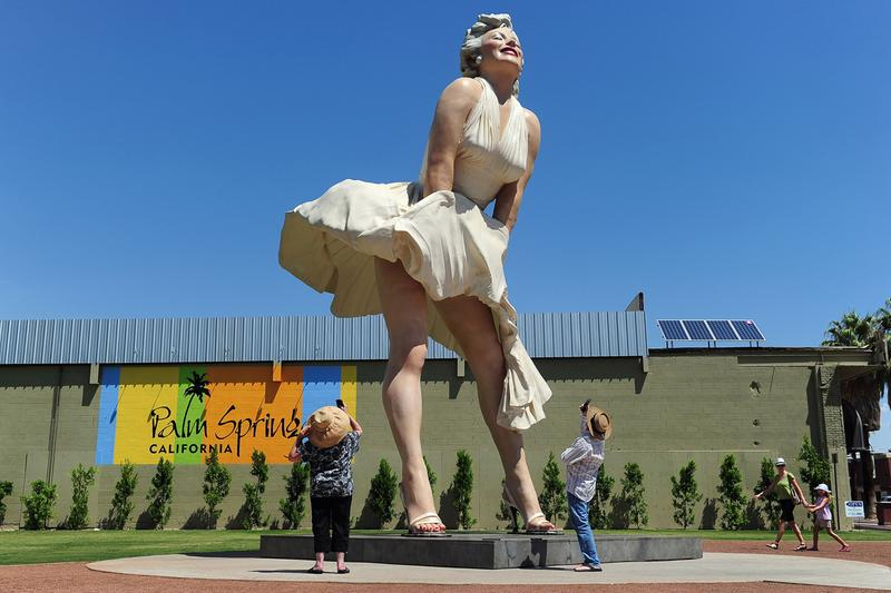 marilyn monroe statue palm springs art museum california controversy