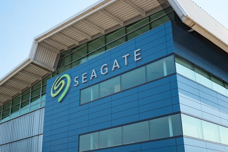 Seagate Is Releasing a 24TB Hard Drive Next Year 2021  Heat Assisted Magnetic Recording HAMR Microwave Assisted Magnetic Recording MAMR Western Digital Hard Drives Storage Data