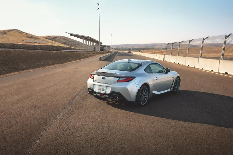Subaru BRZ 2022 Is Lightest RWD 2+2 Coupe in the US Toyota 86 Race Sports Car