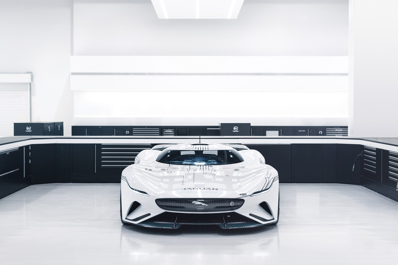 Jaguar Vision Gran Turismo SV PlayStation 5 'Gran Turismo 7' Automotive Car Racing Game Exclusive Interview Exterior Cars Designer Electric Hypercar Super car British Engineering Development Liquid Nitrogen Tech D-Type C-Type Ollie Cattell-Ford