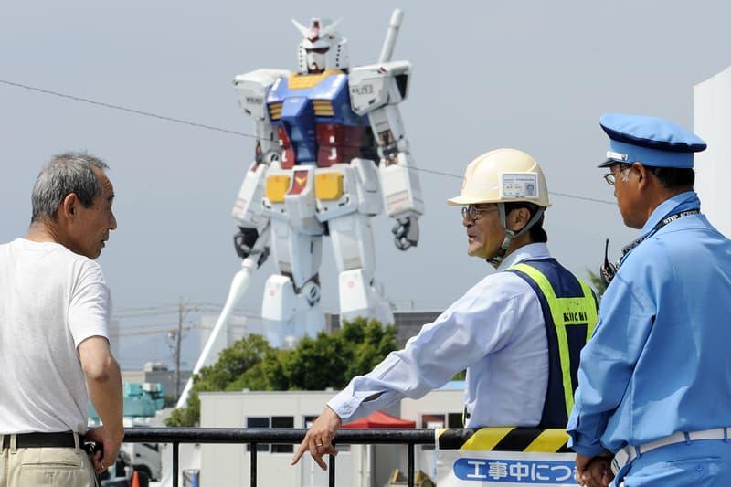 Japan Life-Size Gundam Two Guinness World Records Info Factory Yokohama Global Challenge