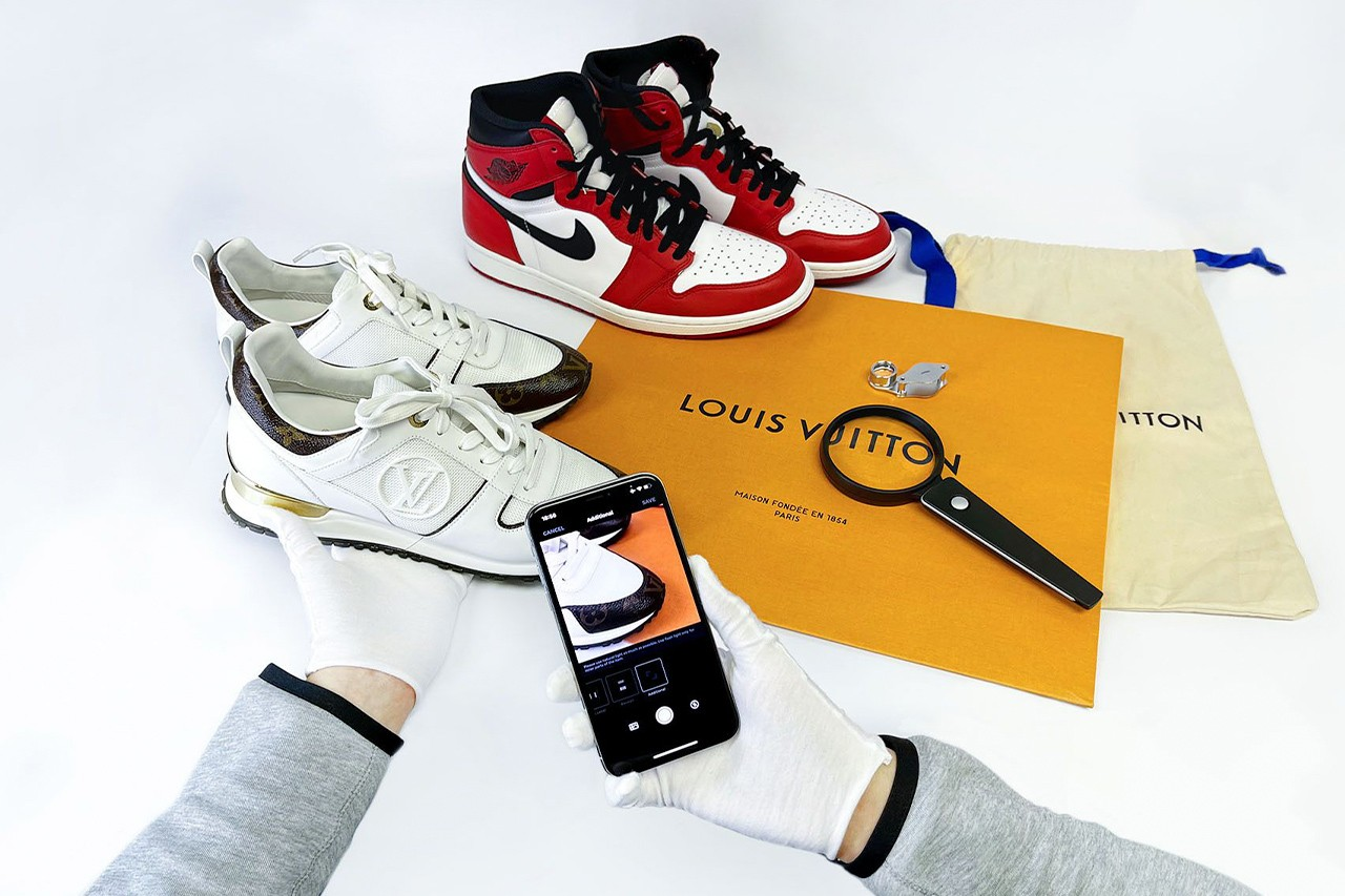 Use LEGIT App to Authenticate Handbags, Sneakers and Streetwear Fashion Resell Collectible HYPEBEAST