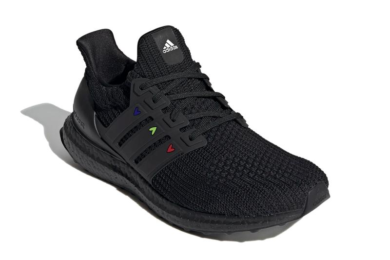 adidas running ultraboost 4 0 dna heart pack womens cloud white chalk solar black carbon red GZ9227 GZ9232 official release date info photos price store list buying guide