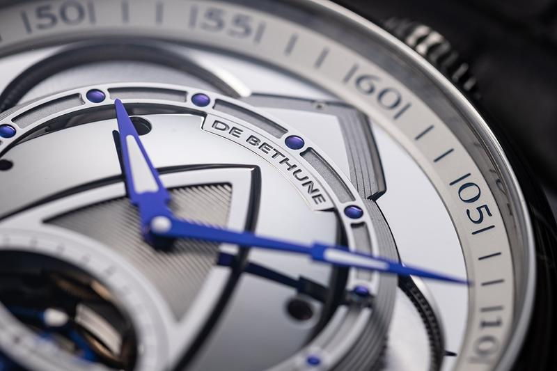 De Bethune Kind of Two Tourbillon is reversible and features two dials showing both classical and futuristic aesthetics