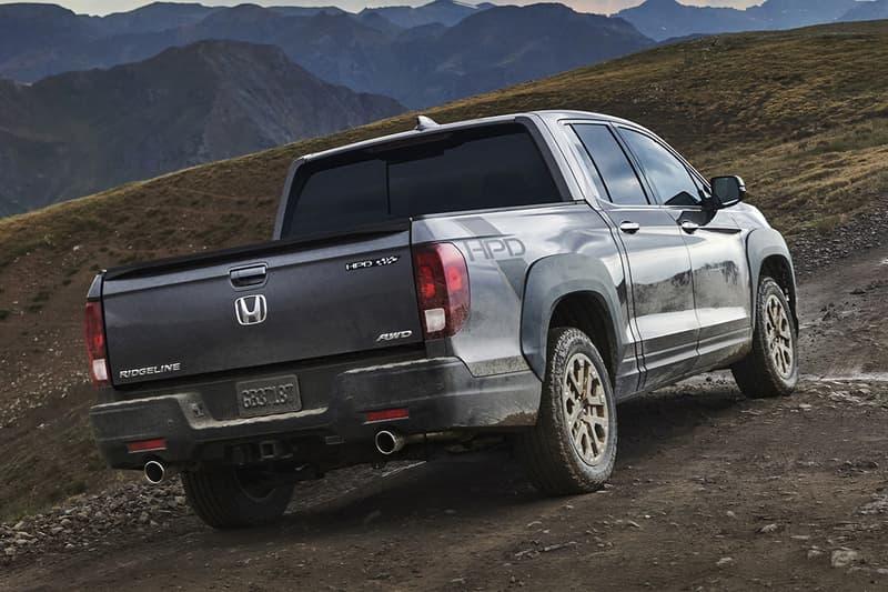 2021 honda ridgeline pickup truck off roading tow all wheel drive v6 engine sport rtl e black edition
