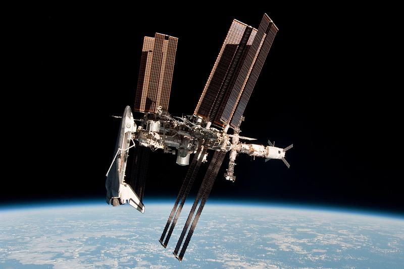 International Space Station SpaceX Axiom Space Tourism 55 million usd ticket citizens technology elon musk first private flight Larry Connor Mark Pathy info