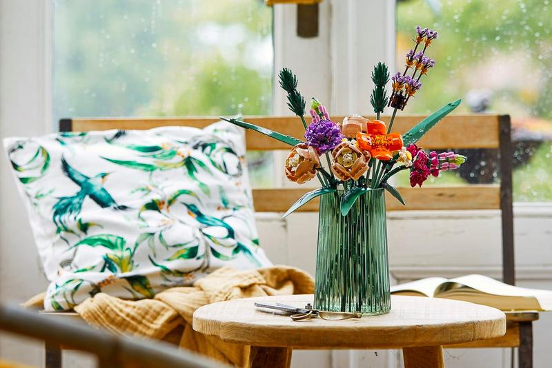 LEGO 10280 Flower Bouquet Release Creators LEGO Botanical Collection toys design LEGO Flowers