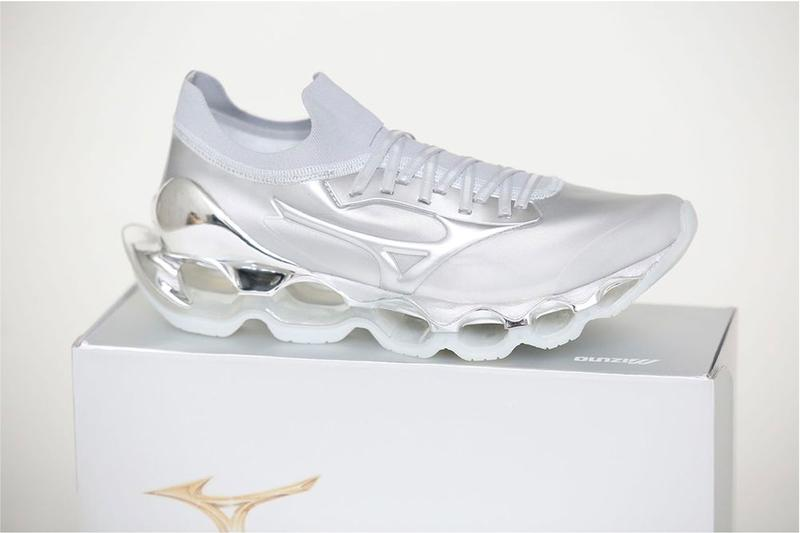 Mizuno Taps Hajime Sorayama Wave Prophecy Sorayama Sneakers Shoes Runners Athletic Shoes Design Contemporary artist Sexy Robot Infinity wave