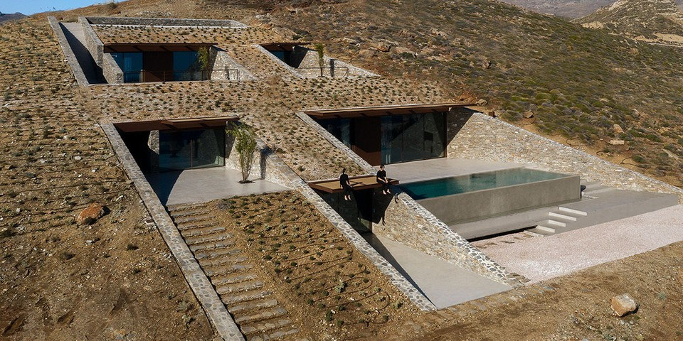 """MOLD Architects' """"NCaved"""" Home Is Concealed Within a Cliff"""