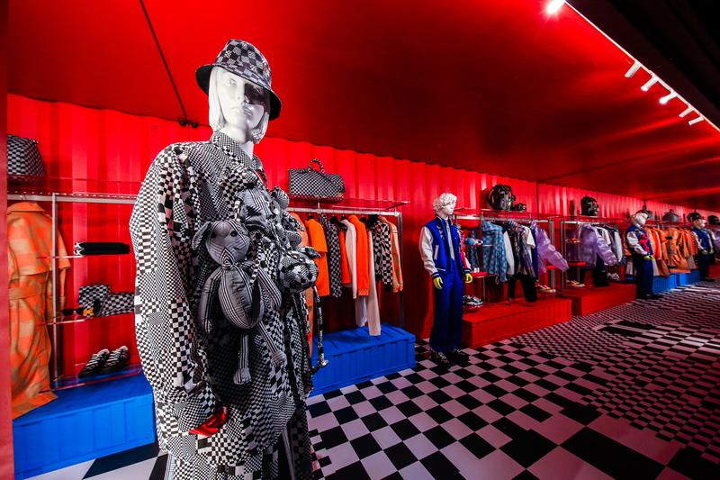 Louis Vuitton Rodeo Drive Temporary Residency pop up store spring summer 2021 virgil abloh Zoooom with Friends inflatable beverly hills california qr code store boutique shop inside look