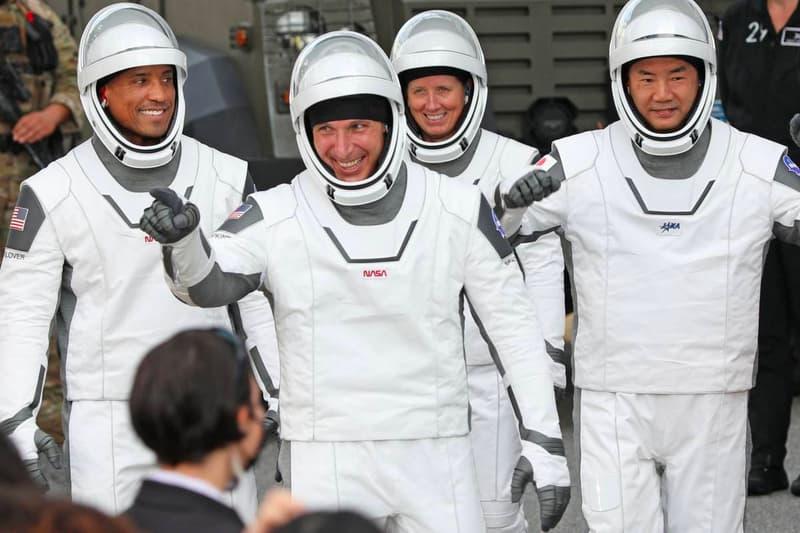 SpaceX Crew 1 Astronauts Space New set Record 84 Days consecutive crew Michael Hopkins Shannon Walker Victor Glover Soichi Noguchi Kennedy Space Center falcon 9 info