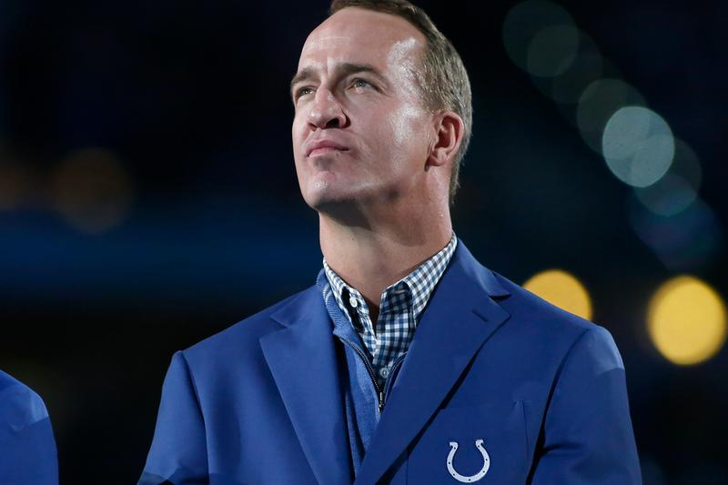 Peyton Manning Joins Pro Football Hall of Fame NFL American Football Denver Broncos Indiana Colts Aaron Rodgers Green Bay Packers Tom Brady Super Bowl 50 Quarterback Class of 2021 Pro Bowl Football GOAT